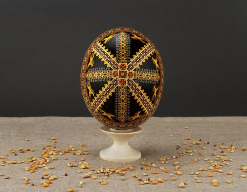 Pysanka made of ostrich egg - MADEheart.com