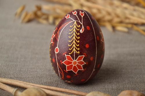 Handmade Easter egg with floral ornament - MADEheart.com