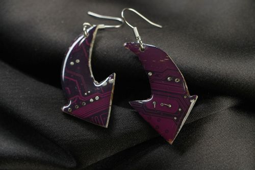 Violet cyberpunk earrings with microchips - MADEheart.com