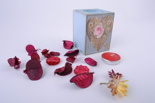 Handmade decoupage wooden candle holder with heart for tablet candle - MADEheart.com