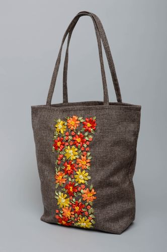 Handmade fabric bag embroidered with ribbons - MADEheart.com
