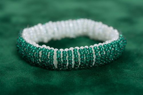 Handmade beaded bracelet double-sided white with green female designer accessory - MADEheart.com