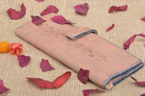 Handmade designer pink genuine leather wallet stylish womens accessory - MADEheart.com