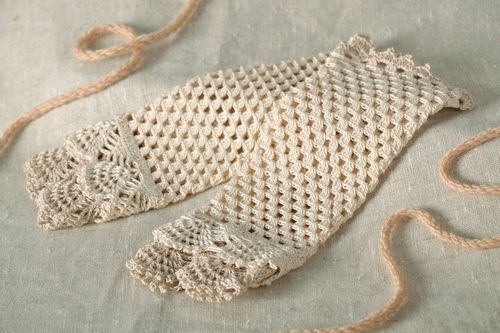 Delicate mittens - MADEheart.com