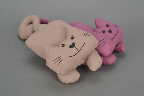Homemade stuffed toy Cat with Hooked Tail - MADEheart.com
