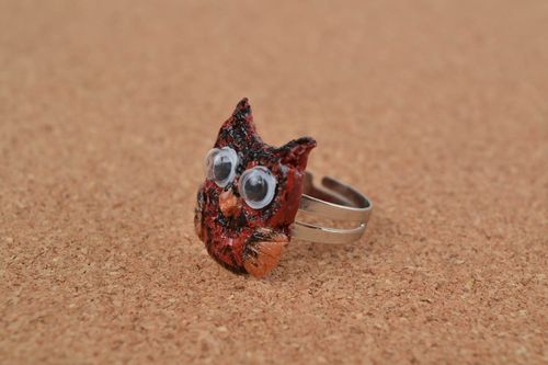 Handmade jewelry ring with metal basis and polymer clay painted owl - MADEheart.com