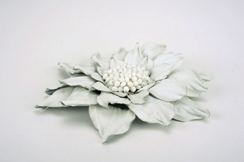 White flower brooch made ​​of leather - MADEheart.com