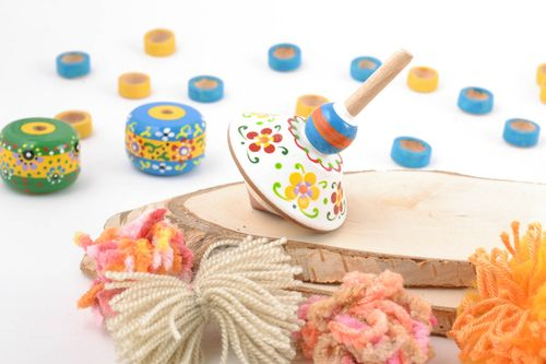 Eco painted handmade wooden toy spinning top with flowers for children - MADEheart.com