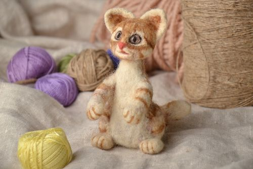 Soft woolen toy Red Cat - MADEheart.com