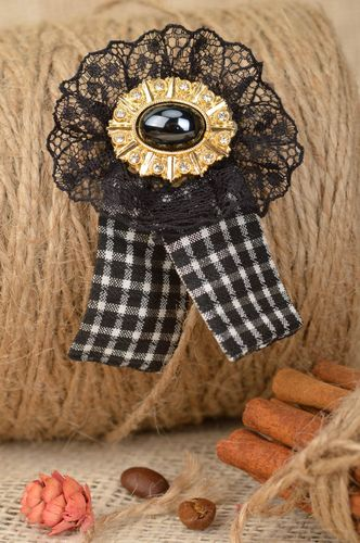 Brooch in vintage style pretty elegant black and white handmade accessory - MADEheart.com