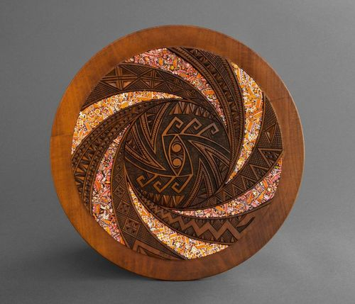 Decorative wooden plate - MADEheart.com