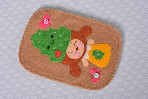 Cute handmade felt phone case handmade gadget accessories small gift ideas - MADEheart.com