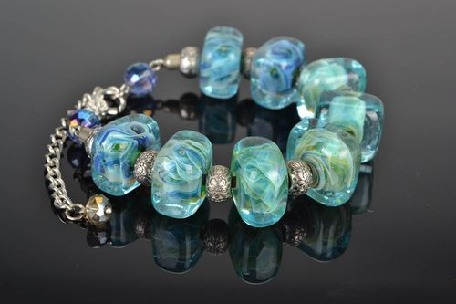 Bracelet made of glass Cubes - MADEheart.com