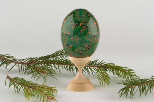Wooden egg with ornaments - MADEheart.com