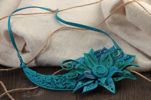 Beautiful handmade genuine leather flower necklace blue designer - MADEheart.com