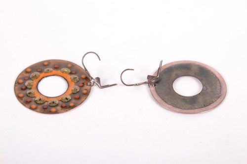 Round earrings made ​​of copper - MADEheart.com