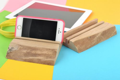 Set of 2 homemade designer wooden gadget holders for tablet and smartphone - MADEheart.com