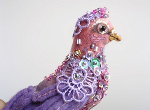 Brooch Purple bird - MADEheart.com