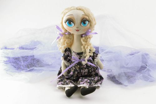 Designers doll with blue eyes - MADEheart.com