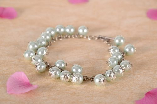 Bracelet made from ceramic pearls - MADEheart.com