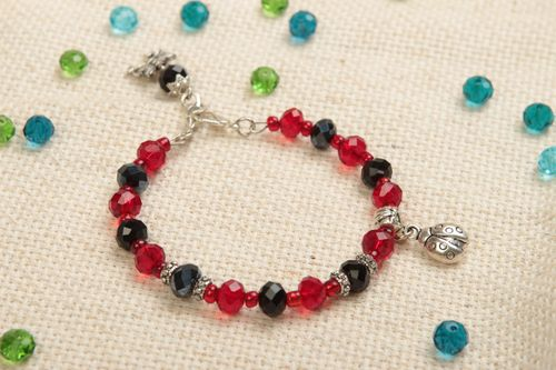 Beautiful handmade beaded bracelet crystal bracelet designer jewelry gift ideas - MADEheart.com