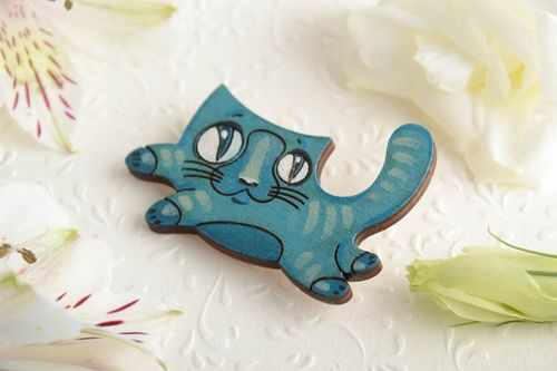 Beautiful bright painted handmade plywood brooch in the shape of cat - MADEheart.com