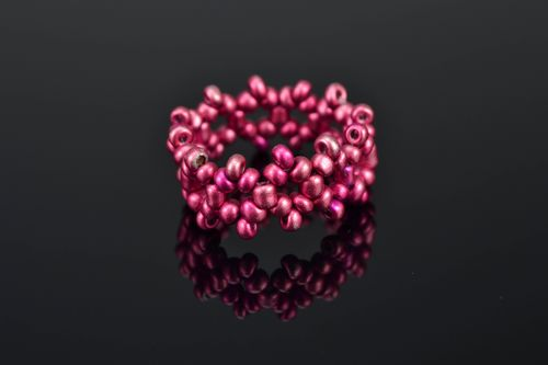 Bright purple woven seed bead ring - MADEheart.com