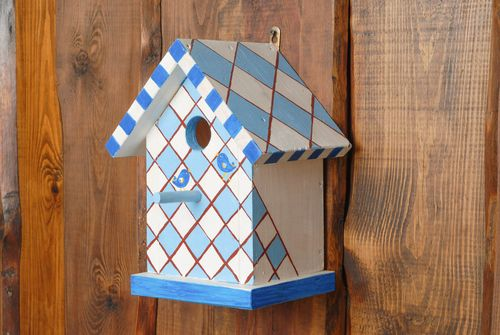 Wooden birdhouse - MADEheart.com