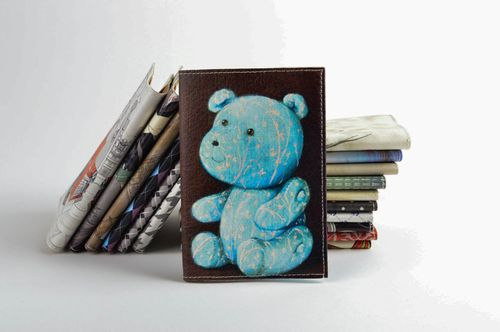 Leather passport cover for girls handmade leather accessories case with print - MADEheart.com