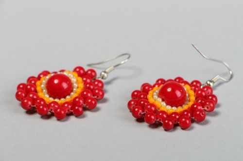 Earrings made of beads and corals - MADEheart.com