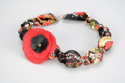 Beads made of silk and wood Red Poppy - MADEheart.com
