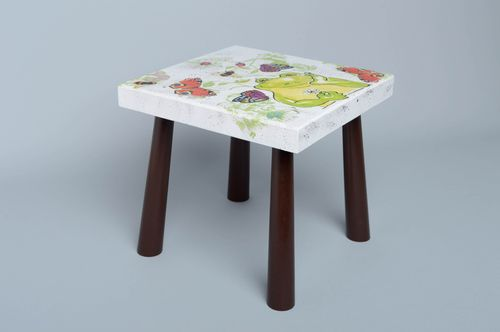 Wooden stool painted with acrylics - MADEheart.com