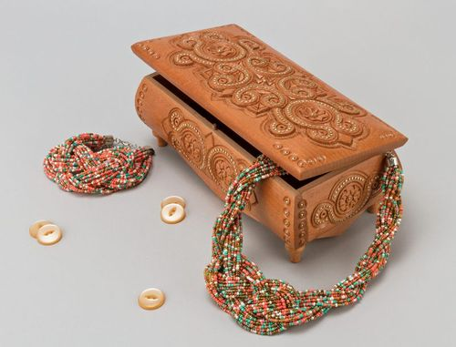 Carved wooden box with inlay - MADEheart.com