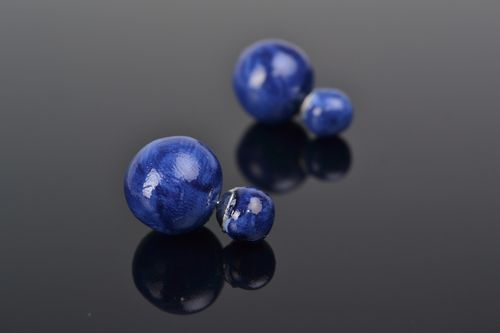 Handmade polymer clay stud earrings of round shape and blue color for women  - MADEheart.com