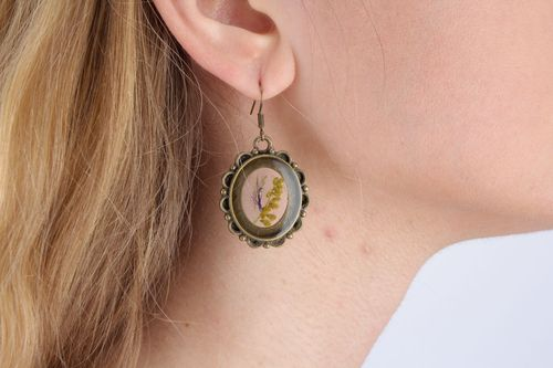 Vintage earrings with dry flowers - MADEheart.com