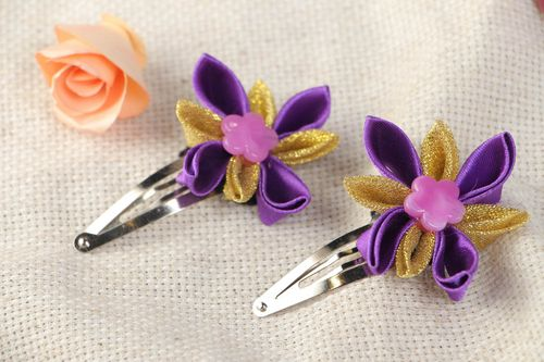 Set of 2 handmade decorative hair clips with violet satin ribbon kanzashi flowers - MADEheart.com