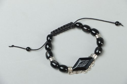 Woven bracelet with black beads - MADEheart.com