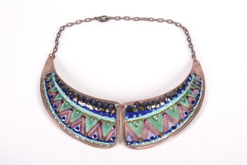 Metallic collar necklace  - MADEheart.com