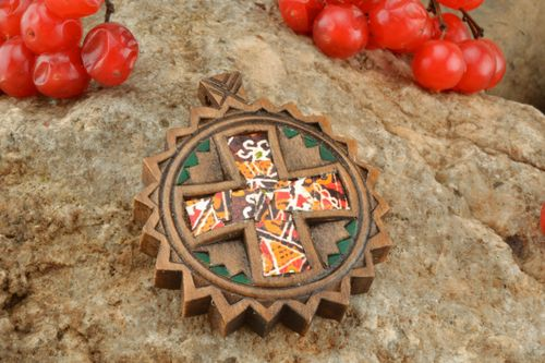 Wooden cross decorated with egg shell - MADEheart.com