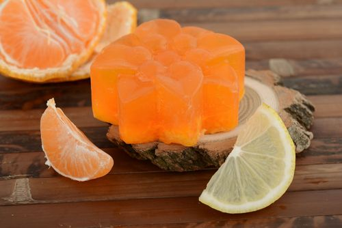 Useful soap with grapefruit - MADEheart.com