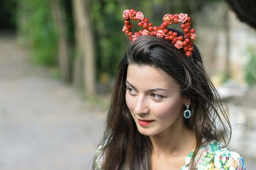 Headband made from artificial berries Sweet ears - MADEheart.com