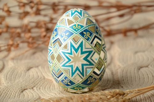 Beautiful lacy Easter egg - MADEheart.com