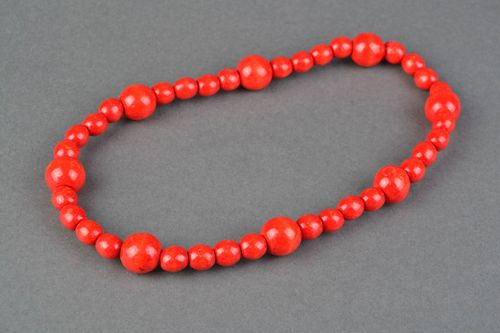 Red necklace with large wooden beads - MADEheart.com