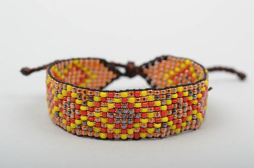 Beaded bracelet handmade jewelry designer accessories fashion jewelry gift ideas - MADEheart.com