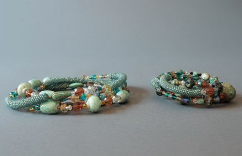 Set of necklace and bracelet made from beads with decorative stones - MADEheart.com