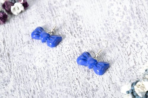 Earrings in the shape of bows - MADEheart.com