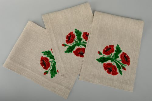 Long linen napkin with applique work - MADEheart.com