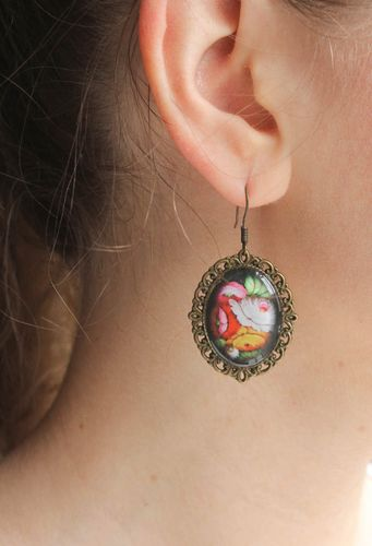 Metal earrings with flowers  - MADEheart.com