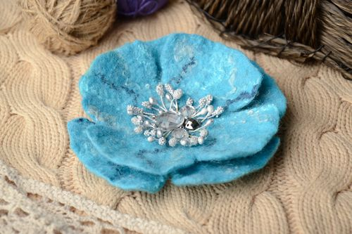 Felted wool brooch for coat Blue Flower - MADEheart.com