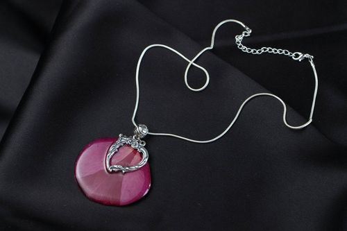 Pendant with rose petal - MADEheart.com